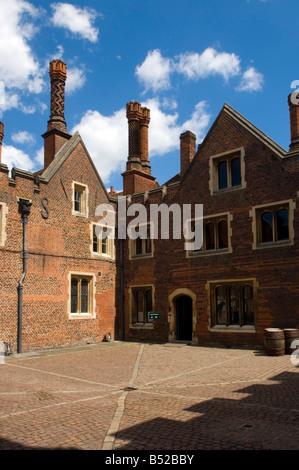 Courtyard,  Hampton Court Palace, Richmond, London - Stock Photo