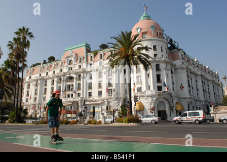 The Hotel Negresco on the Promenade des Anglais in Nice - Stock Photo