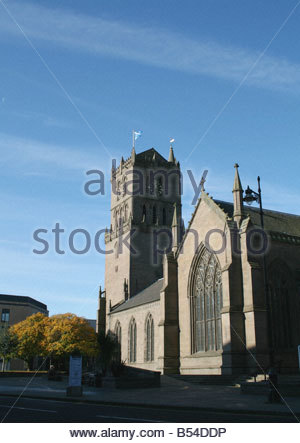 Auld Steeple church and Overgate shopping Centre in Dundee Scotland  October 2008 - Stock Photo