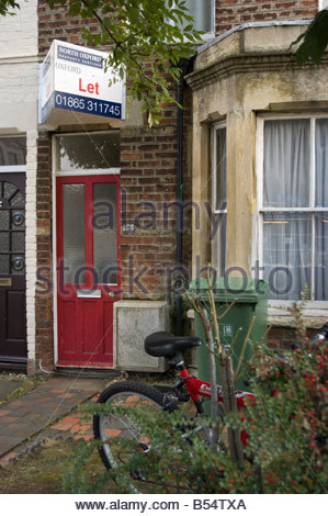 Student Letting sign outside a student house in Oxford - Stock Photo