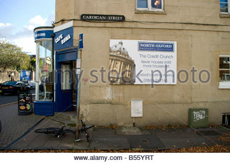 Oxford Letting Agency sign outside a house in Oxford More Houses Let Than Sold - Stock Photo