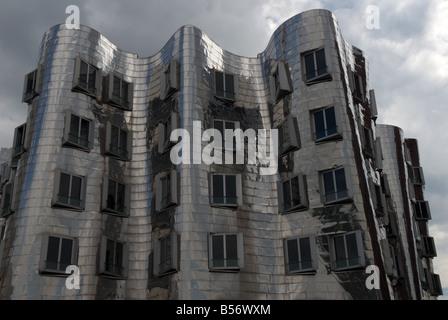 Gehry buildings, Media Harbour, Düsseldorf, North Rhine-Westphalia, Germany. - Stock Photo