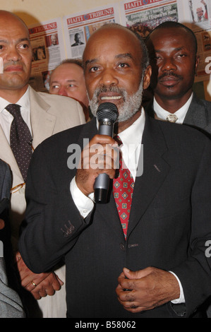 The President of the Republic of Haïti René Preval addressing the Haïtian community in Paris - Stock Photo