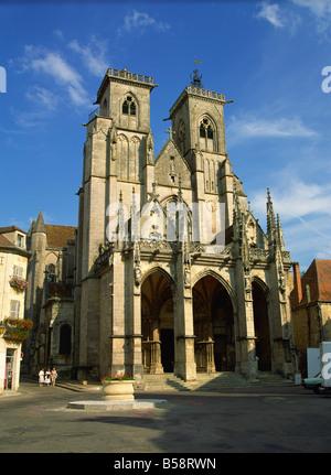 Church of Notre Dame, Semur en Auxois, Burgundy, France, Europe - Stock Photo