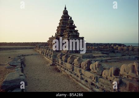 Shore Temple Mahabalipuram UNESCO World Heritage Site Tamil Nadu state India Asia - Stock Photo