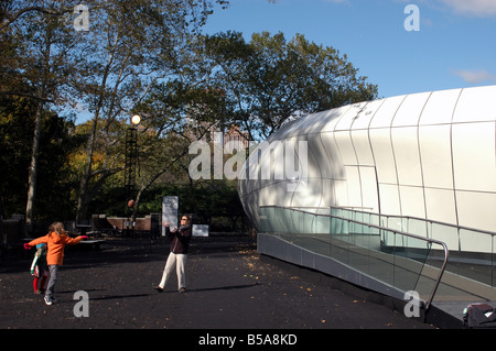 Chanel mobile in Central Park NYC design by female architect Zaha Hadid - Stock Photo