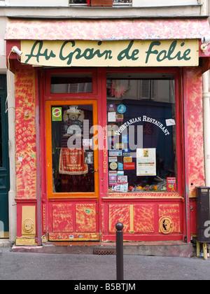 Au Grain de Folie an organic,vegetarian restaurant, 24 Rue de la Vieuville, Montmartre Paris - Stock Photo