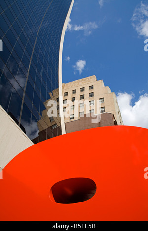 Ivan Chermayeff's Red 9 sculpture, Nine West 57th Street, Midtown Manhattan, New York City, New York, USA, North - Stock Photo