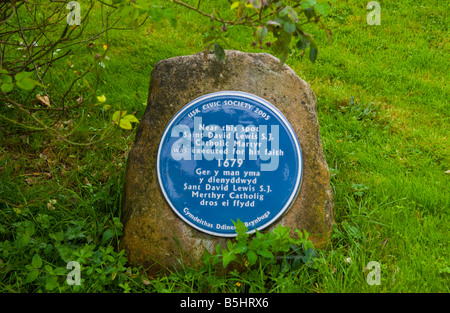 Blue Plaque marking site of execution of Saint David Lewis 1679 in the rural market town of Usk Monmouthshire South - Stock Photo