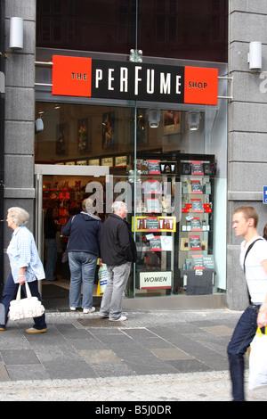 The Perfume Shop retail outlet, Fargate, Sheffield, South Yokshire, England, U.K. - Stock Photo