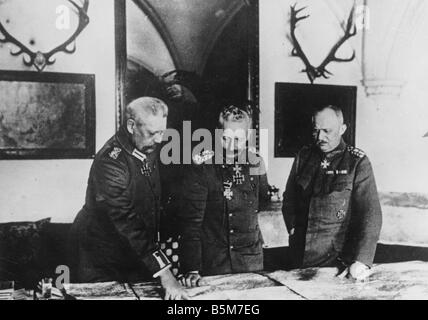 1 W46 F1917 12 E Wilhelm II in headquarters Photo 1917 Wilhelm II German emperor 1888 1918 1859 1941 During World - Stock Photo