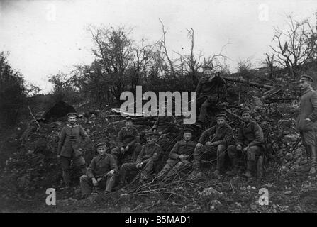 2 G55 W1 1917 17 Western Front 1917 German soldiers History World War One Western front Group photograph of German - Stock Photo