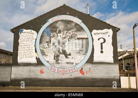 Loyalist/Unionist mural, 'Can it change? We believe!' - Stock Photo