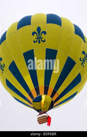 Sporting balloon Thunder Colt AX8 105 S2 with a red flag in a balloon fox hunting contest - Stock Photo