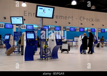 Check-in bound, Charles de Gaulle airport, terminal G, Roissy, France - Stock Photo