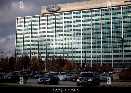 Industry automobile industry usa detroit ford works for Ford motor company in dearborn michigan