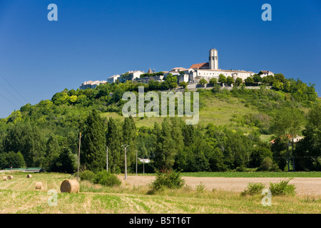 The medieval bastide town of Tournon D Agenais in Lot et Garonne France Europe - Stock Photo