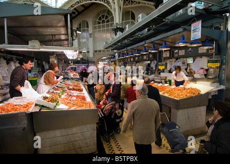 Fish market in mercado central historic indoor market for Central fish market