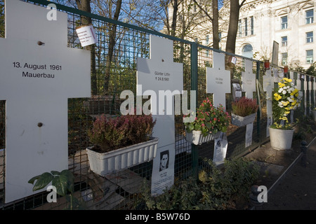 White Crosses, memorial to victims of Berlin Wall, near Reichstag, Berlin - Stock Photo