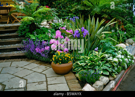 Decorative flowering Patio Garden at Chelsea - Stock Photo