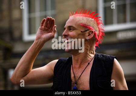 The Mighty Gareth Street entertainer at Fringe Festival Edinburgh Scotland - Stock Photo