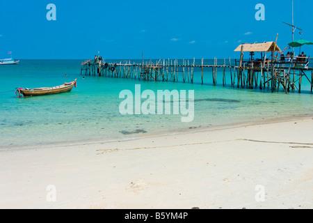 Koh Chang beach sand boat watterside - Stock Photo
