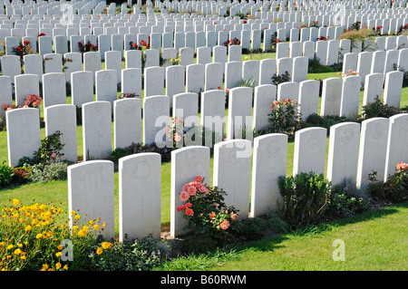 Numerous white gravestones, rows, soldier's graves, war graves, the fallen, Terlincthun British war cemetery, world - Stock Photo