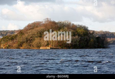 the lake isle of innisfree made famous in the poem by WB Yeats in lough gill county sligo republic of ireland - Stock Photo