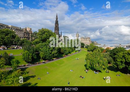 View of East Princes Street Gardens, Edinburgh, Scotland, Great Britain, Europe - Stock Photo