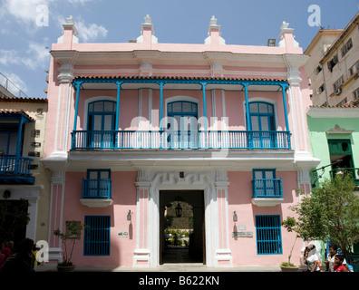 Venezuelan Embassy in the historic city centre of Havana, Cuba, Caribbean - Stock Photo