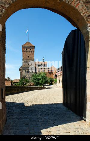 Nuremberg Castle or Kaiserburg, fore-court, Heidenturm Tower, entrance gate, Nuremberg, Middle Franconia, Bavaria, - Stock Photo