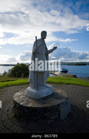 Statue of St Patrick on the shore of Lough Derg, County Donegal, Ireland. - Stock Photo