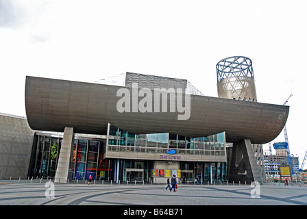 the lowry art gallery and theatre at salford quays,manchester,uk - Stock Photo