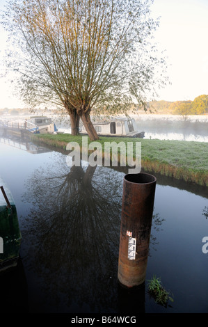 A depth marker at the Worsfold Gates on River Wey Navigation in Surrey England - Stock Photo