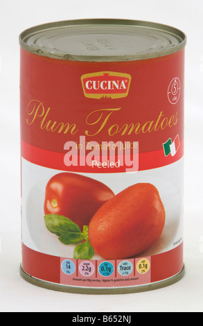 Can of Cucina peeled plum tomatoes sold in the UK by Aldi - Stock Photo