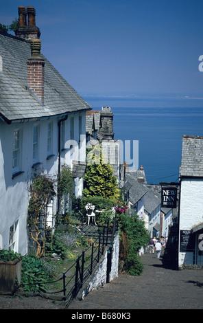 Steep street clovelly old fishing village devon england for Ocean isles fishing village