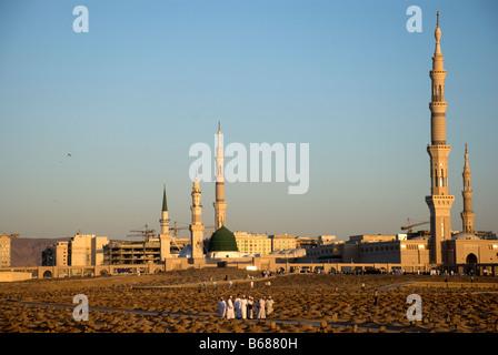 Jannat ul baqi in saudi arabia check out jannat ul baqi for Bibi shehar bano history