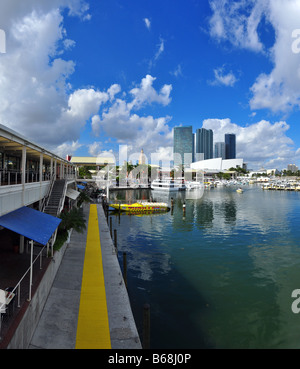 View onto Bayside Marina and American Airlines Arena in Miami - Stock Photo