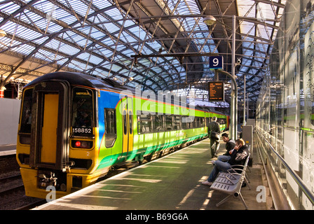 Lime street station in Liverpool. - Stock Photo
