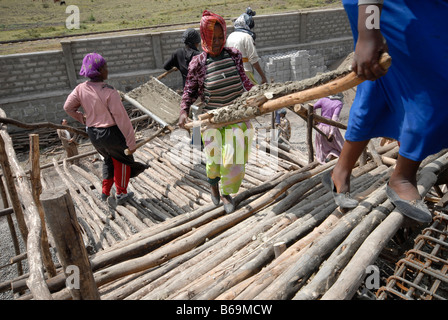 Women labourers on a building site in Addis Ababa, Ethiopia, Africa - Stock Photo
