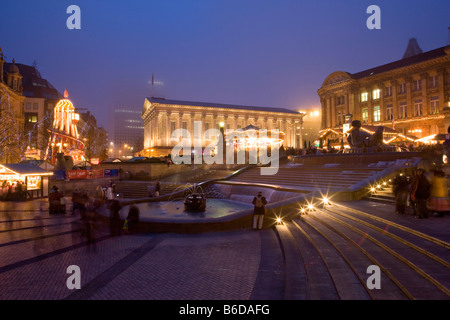 German market christmas birmingham Victoria Square, town hall night fountain, - Stock Photo