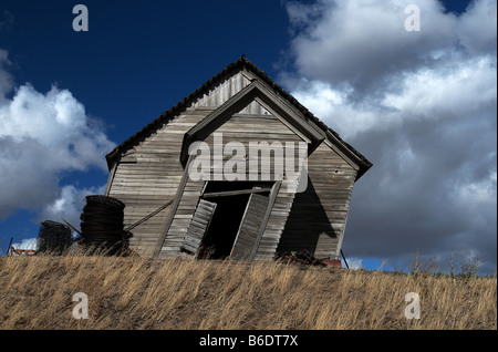 leaning shed in washington state america stock photo 21176578 alamy