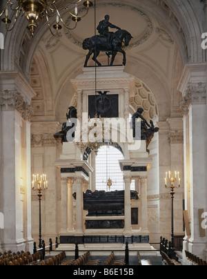 Wellington Monument Saint Paul's Cathedral - Stock Photo