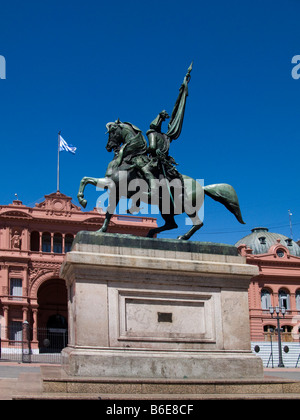 Statue on the front of Casa de Botines of St George killing the Stock Photo, ...