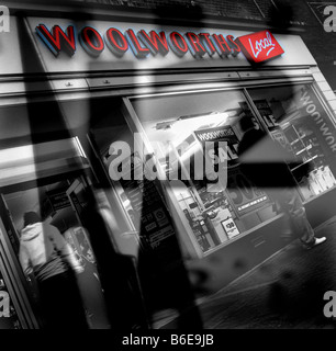 Time is running out for Woolworths ! (Cinderford Branch) Dec 2008 - Stock Photo