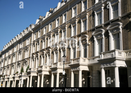 Terraced houses in Notting Hill Gate, London - Stock Photo