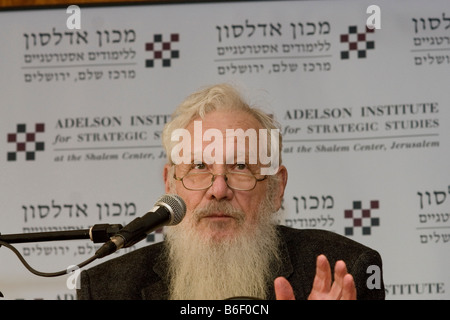 Prof. Robert Aumann, Noble prize winner speaks at the Adelson Institute's Dec. 2008 Counterinsurgency conference. - Stock Photo