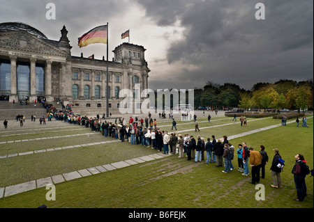 Reichstag building, people waiting in line, Berlin, Germany, Europe - Stock Photo