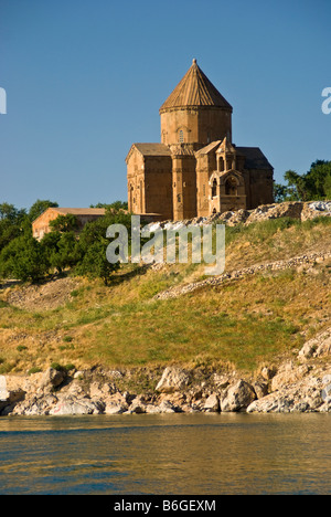 Lake Van's 10th century Armenian Church of the Holy Cross on Akdamar Island - Stock Photo