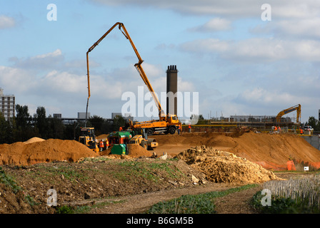 Construction of the Trumpington to Addenbrokes Hospital leg of the Cambridgeshire Guided Busway - Stock Photo